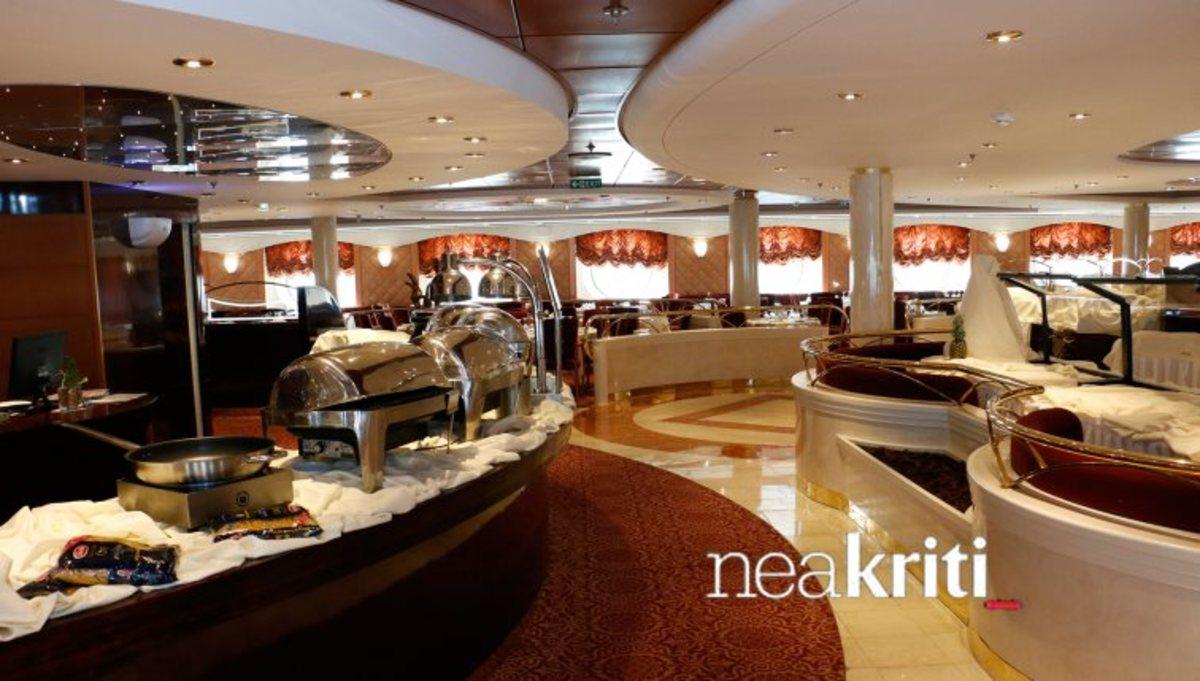 Ηράκλειο: Πλωτό παλάτι με καζίνο, πισίνες και – Μπαίνουμε μέσα στο κρουαζιερόπλοιο που εντυπωσιάζει [pics, vid]