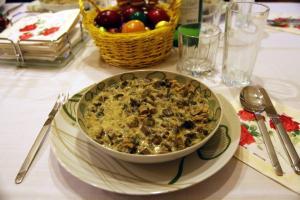 Πάσχα 2018: Γιατί τρώμε μαγειρίτσα το βράδυ του Μεγάλου Σαββάτου μετά την Ανάσταση