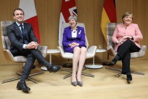 Κοινή γραμμή Μέρκελ, Μακρόν και Μέι για τους δασμούς: «Η ΕΕ θα πρέπει να αμυνθεί…»