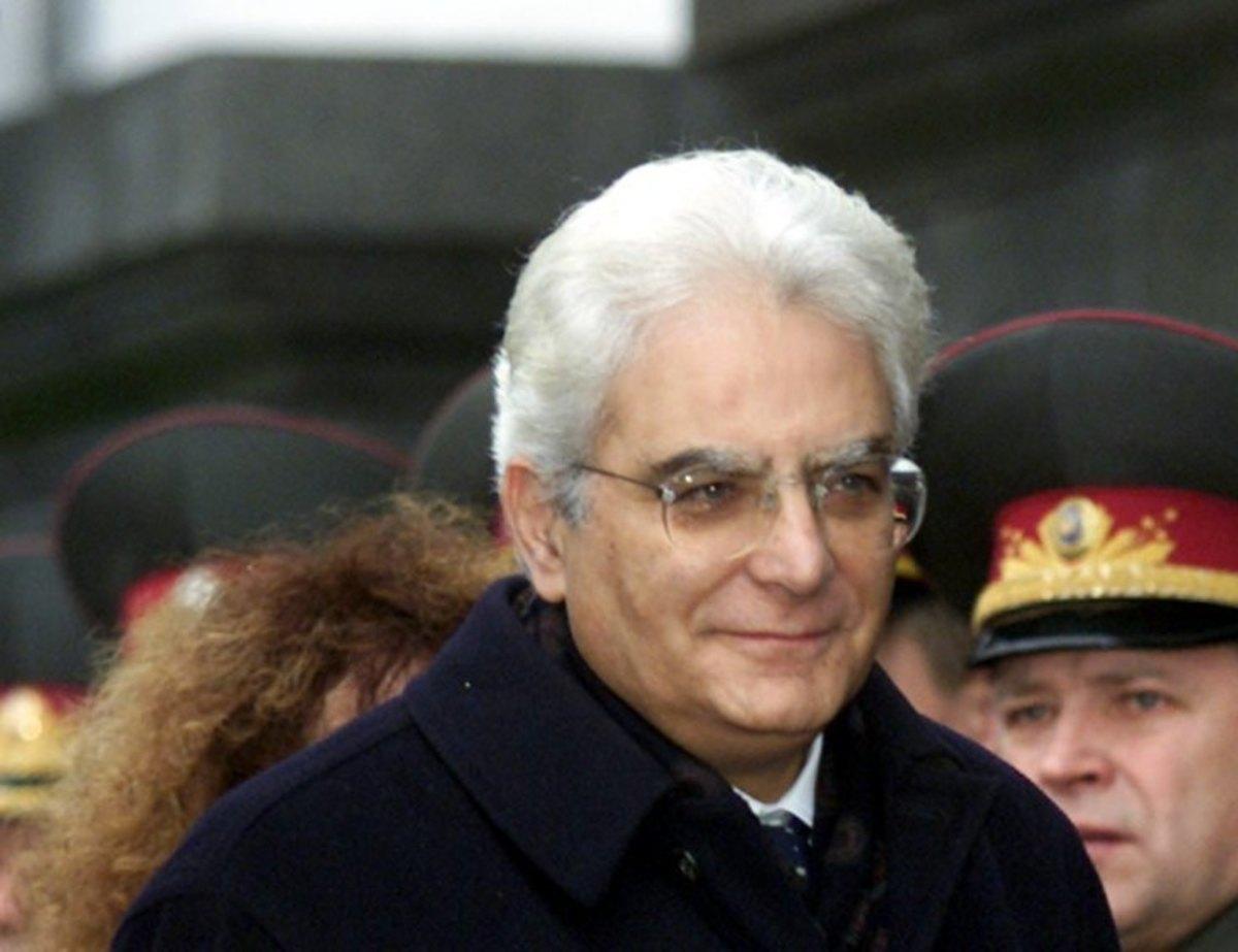 Ιταλία: Η πρόεδρος της Γερουσίας παρέδωσε τη διερευνητική εντολή στον Ματαρέλα | Newsit.gr