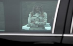 «Η Μελάνια είναι φυλακισμένη»! Η Μπριζίτ Μακρόν… μαρτύρησε όσα είδε στον Λευκό Οίκο