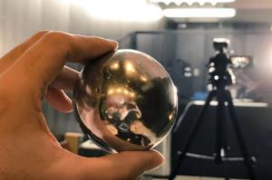 Δεν θα πιστέψετε από τι είναι φτιαγμένη αυτή η μπάλα – Το υλικό υπάρχει σε όλα τα σπίτια!