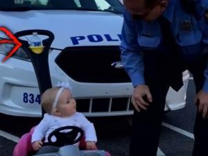 Αστυνομικοί σταμάτησαν 8 μηνών μωράκι – Την γλίτωσε με μία απλή προειδοποίηση!