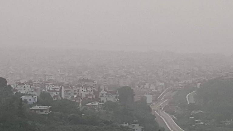 Η Πάτρα «χάθηκε» στη σκόνη [pics]   Newsit.gr