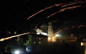 Εντυπωσιακές εικόνες από τον ρουκετοπόλεμο στη Χίο [vid]