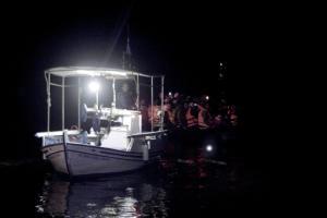 Η Κομισιόν δίνει επιπλέον 180.000.000 ευρώ στην Ελλάδα για τους πρόσφυγες
