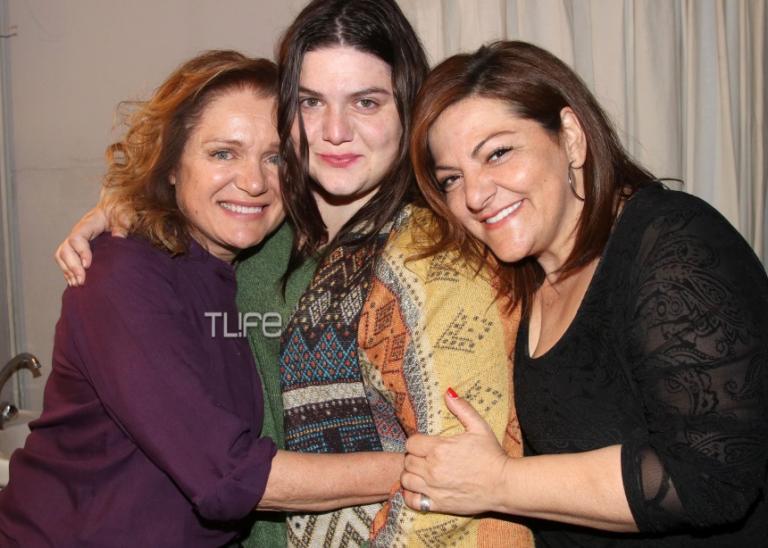 Βίκυ Σταυροπούλου: Καμάρωσε την κόρη της στο θέατρο [pics] | Newsit.gr