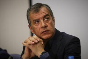 Θεοδωράκης: Κατεβαίνω για δήμαρχος; Πρωταπριλιά!