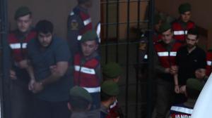 Έλληνες στρατιωτικοί: Καρέ – καρέ η μεταγωγή τους στο δικαστήριο της Αδριανούπολης