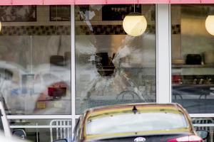 Συνελήφθη ο «γυμνός ένοπλος» που σκότωσε τέσσερις ανθρώπους σε εστιατόριο στο Τενεσί