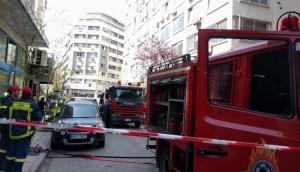Θεσσαλονίκη: Άνδρας απειλεί να αυτοπυρποληθεί σε συμβολαιογραφείο [vid]