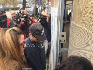 Ελεύθερος υπό δρακόντεια μέτρα ασφαλείας ο ένας από τους 8 Τούρκους αξιωματικούς