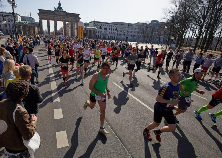Γερμανία: «Συναγερμός» για επίθεση με μαχαίρι στον ημιμαραθώνιο του Βερολίνου