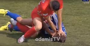 Απίστευτη «λαβή» πάλης στη Football League! [vid]
