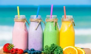 Ζέστη: Δροσερά smoothies με κάτω από 190 θερμίδες