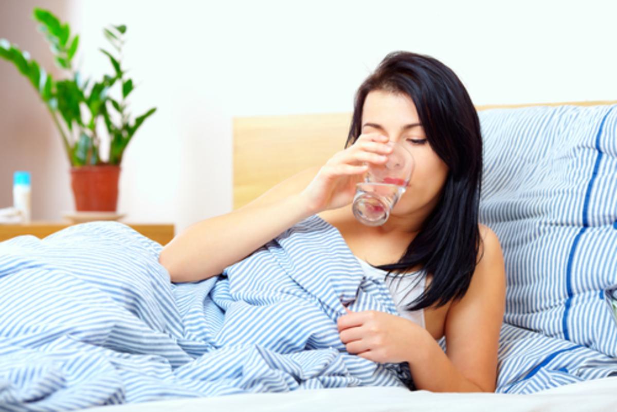 Γιατί να πίνετε νερό αμέσως μόλις σηκώνεστε το πρωί | Newsit.gr