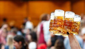 """Απαγορεύεται να διαφημίζεται η μπίρα ως """"ωφέλιμη"""""""