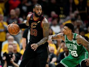 NBA: Όλα από την αρχή! Με τρομερό ΛεΜπρόν οι Καβαλίερς νίκησαν τους Σέλτικς [vid]