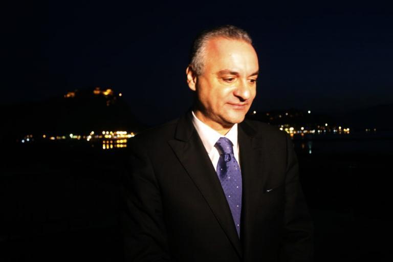 Η μαντινάδα του Μ. Κεφαλογιάννη για τους δύο Έλληνες στρατιωτικούς | Newsit.gr