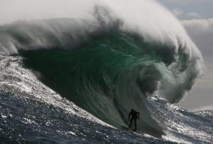 Γιγάντιο κύμα οκτώ ορόφων στο Νότιο Ειρηνικό Ωκεανό!