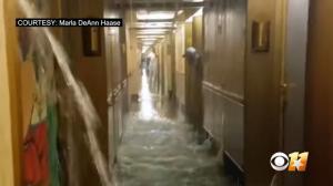 Πανικός για επιβάτες! Έζησαν σκηνές Τιτανικού – Πλημμύρισαν καμπίνες
