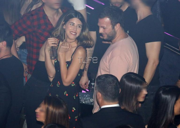 Demy – Κωνσταντίνος Κωνσταντίνου: Καυτά φιλιά σε βραδινή τους έξοδο! [pics] | Newsit.gr