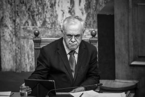 Πυρά της αντιπολίτευσης σε Δραγασάκη: «Οδηγείτε και πάλι τη χώρα στα βράχια…»
