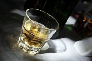 Πίνουν κι οδηγούν! Στοιχεία σοκ από την Τροχαία