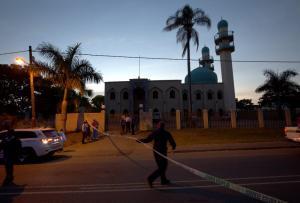 Ένοπλοι μπούκαραν σε χωριό και έσπειραν τον θάνατο! Τουλάχιστον 26 νεκροί