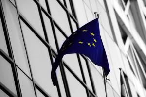 Κομισιόν: Να συνεχιστεί με συνέπεια το άνοιγμα της αγοράς ενέργειας