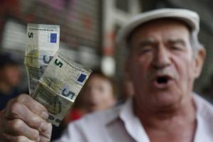 Μήπως καλύτερα να εκτελέσουν τους συνταξιούχους;
