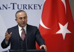 Νέες αιχμές Τσαβούσογλου κατά της Ελλάδας για τους 8 Τούρκους αξιωματικούς