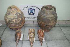 Σαντορίνη: Αρχαιοκάπηλοι με… υπομονή – «Άδειαζαν» το Μουσείο εδώ και έναν χρόνο [pics]