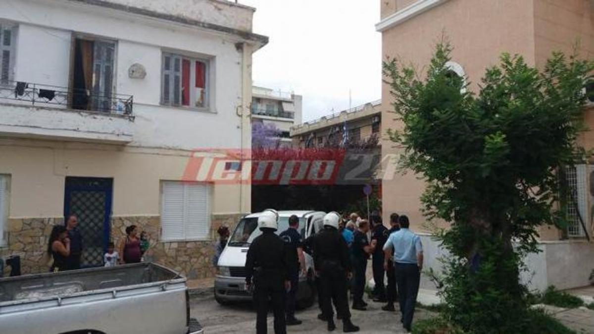Πάτρα: 30 αστυνομικοί προσπαθούσαν να χωρίσουν τους εξαγριωμένους τσιγγάνους [vid] | Newsit.gr