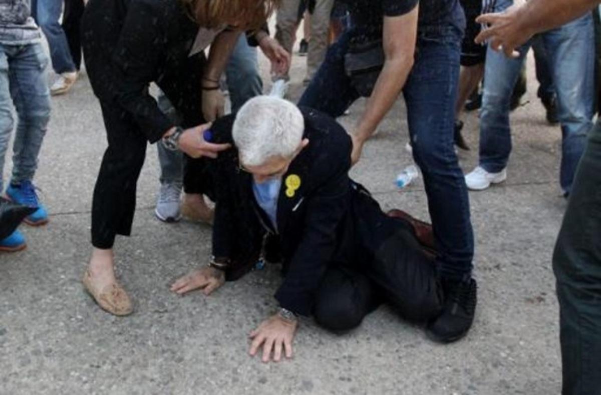 Θεσσαλονίκη: Ο Γιάννης Μπουτάρης λύνει τη σιωπή του μετά την επίθεση – Νέες εικόνες – Αποθεώνει τους δράστες η Ουρανία Μιχαλολιάκου [pics, vids] | Newsit.gr