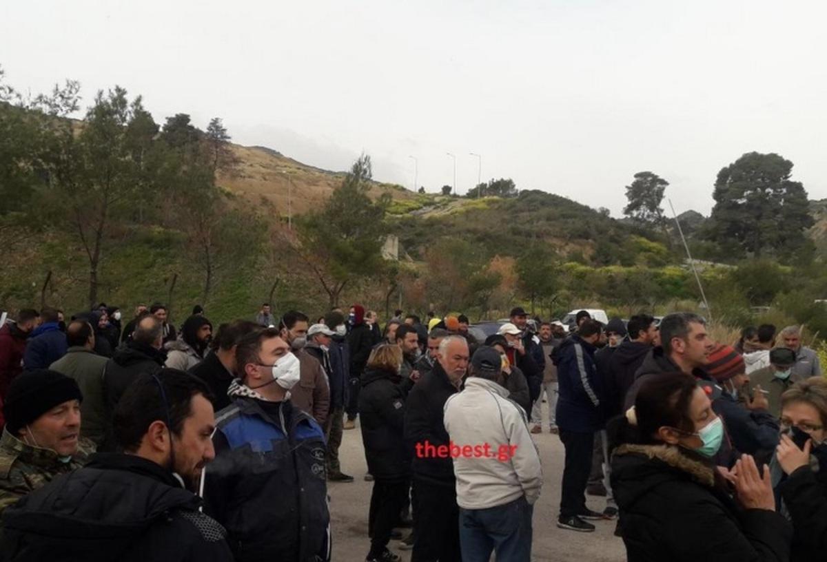 Αχαΐα: Τρεις συλλήψεις κατοίκων στην Αιγείρα γιατί εμπόδισαν απορριματοφόρα να αδειάσουν σκουπίδια | Newsit.gr