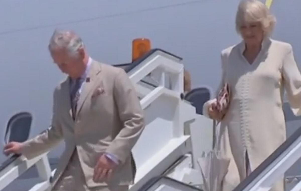 Κρήτη: Έφτασαν στο Ηράκλειο Κάρολος και Καμίλα – Η υπόκλιση, οι χειραψίες και τα χαμόγελα – Άγγλοι στο ραντεβού τους [pics, vids]