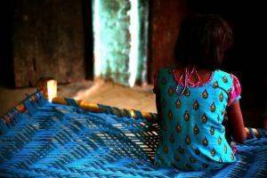 Ασία: Η περίοδος κρατά τα κορίτσια στο σπίτι λόγω των άθλιων συνθηκών στα σχολεία