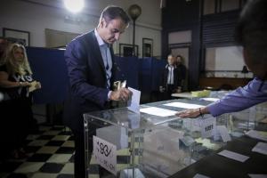 Κάλπες για την ΝΔ! Τι είπε ο Μητσοτάκης αφού ψήφισε [pics]