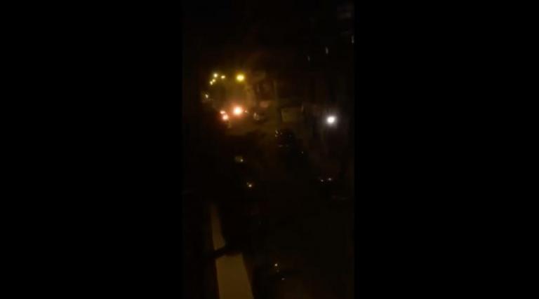 Video ντοκουμέντο από την επίθεση κοντά στο σπίτι του Αλέκου Φλαμπουράρη στα Εξάρχεια | Newsit.gr