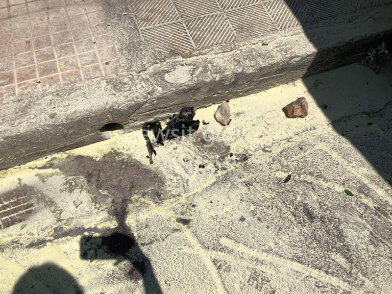 Συντονισμένες επιθέσεις αναρχικών στα Εξάρχεια – Μολότοφ στο σπίτι του Αλέκου Φλαμπουράρη και στα γραφεία του ΠΑΣΟΚ | Newsit.gr