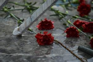 Πρωτομαγιά: Ελληνοκύπριοι και Τουρκοκύπριοι εργαζόμενοι γιόρτασαν μαζί στην «νεκρή ζώνη»!
