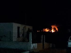 Φωτιά στη Σκάλα Κεφαλονιάς – Εκκενώθηκε ξενοδοχείο