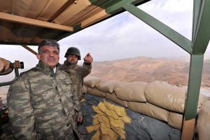 Πραξικόπημα αλά Ερντογάν! Έστειλε το στρατό να… πείσει τον Γκιουλ να μην είναι υποψήφιος
