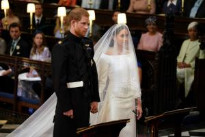 Πριγκιπικός γάμος: Τα πρώτα λόγια του πρίγκιπα Χάρι στη Μέγκαν Μαρκλ, όταν την αντίκρισε! [vids]
