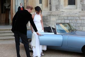 Η κατάρα της Jaguar με την οποία έφτασαν Μέγκαν και Χάρι για το γαμήλιο πάρτι