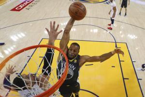 NBA: Το πιο απίθανο κάρφωμα της χρονιάς από τον Ιγκουοντάλα! [vid]