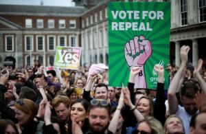 Ιστορική ημέρα για την Ιρλανδία – Συντριπτική υπεροχή του «ναι» υπέρ των αμβλώσεων