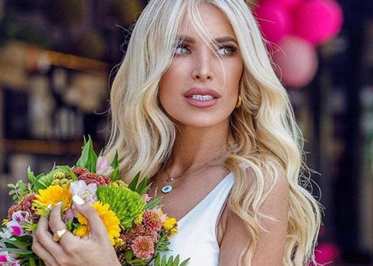Κατερίνα Καινούργιου: Βόλτα στην Κηφισιά [pics] | Newsit.gr