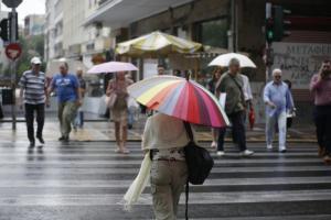 Καιρός: «Μαστιγώνει» την χώρα με βροχές και καταιγίδες η Νεφέλη – Πτώση της θερμοκρασίας